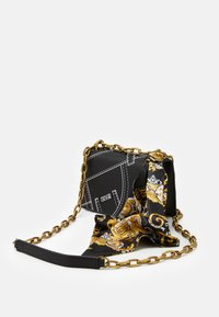 Versace Jeans Couture - CROSS BODY FLAP CHAINCUCITURE - Across body bag - nero - 4