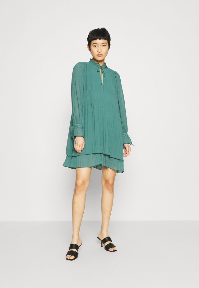 MELINNA - Cocktail dress / Party dress - mallard green