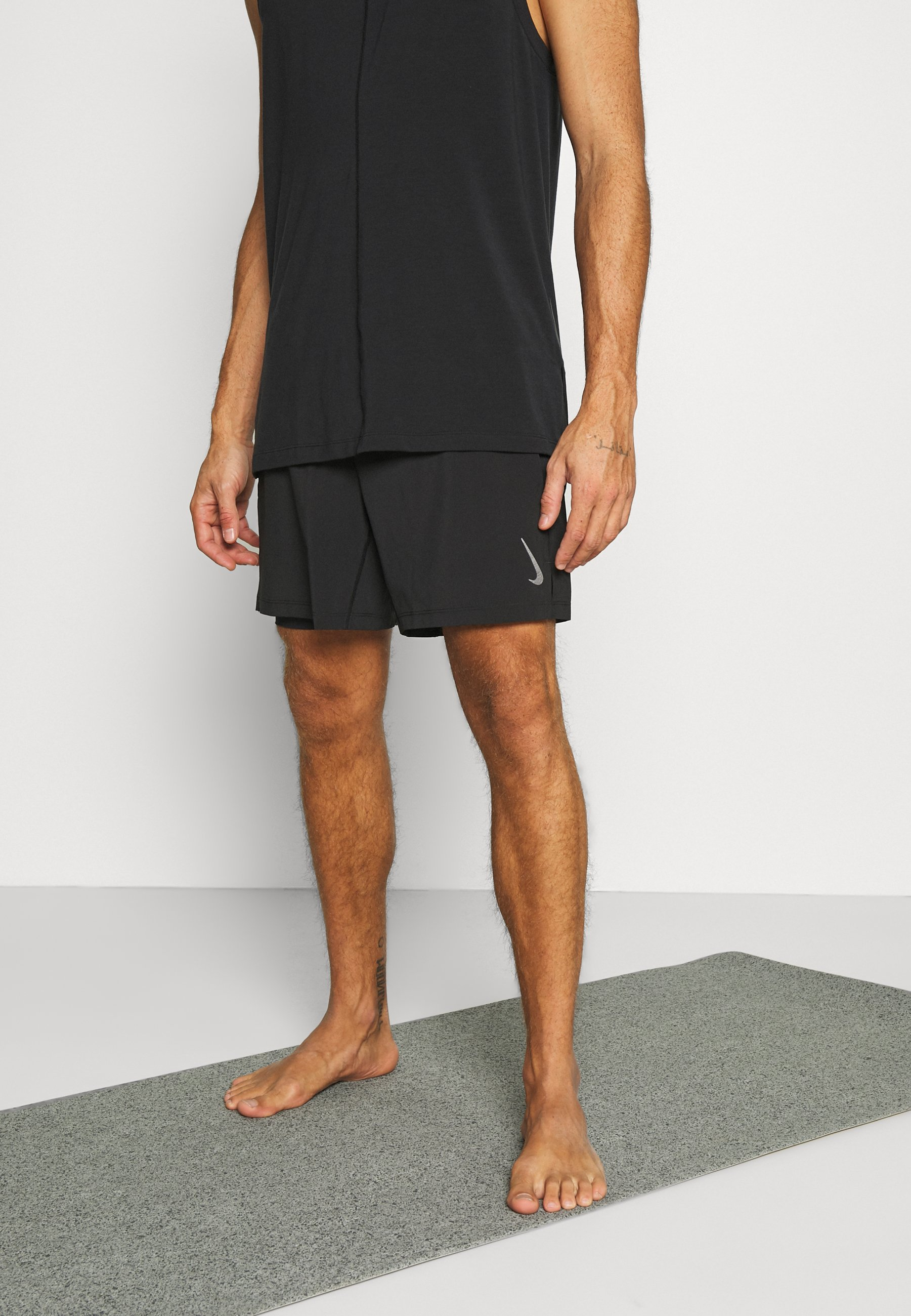 Men ACTIVE YOGA - Sports shorts