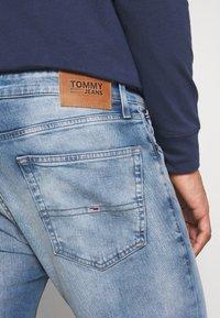 Tommy Jeans - AUSTIN SLIM - Slim fit jeans - wilson light blue stretch - 3