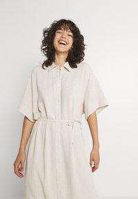 Weekday - CORINNA DRESS - Abito a camicia - beige - 3