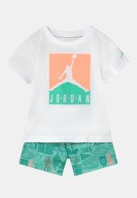 Jordan - AIR ELEMENTS SET UNISEX - T-shirt imprimé - mint - 0