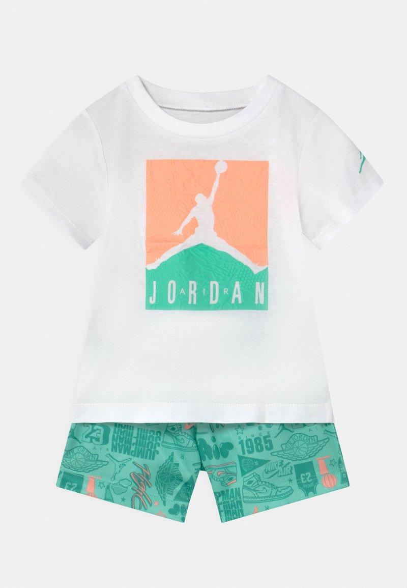 Jordan - AIR ELEMENTS SET UNISEX - T-shirt imprimé - mint