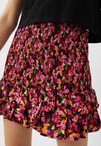 Stradivarius - Plisovaná sukně - pink - 4