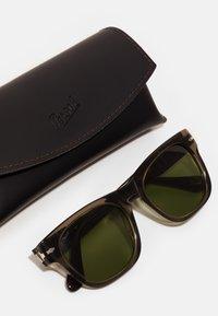 Persol - UNISEX - Okulary przeciwsłoneczne - opal smoke - 2