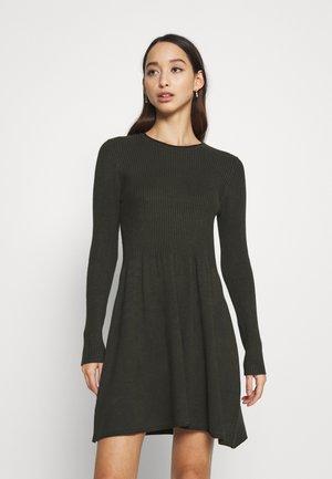 ONLALMA  - Jumper dress - rosin