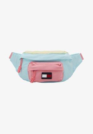 CORE BUMBAG - Bum bag - pink