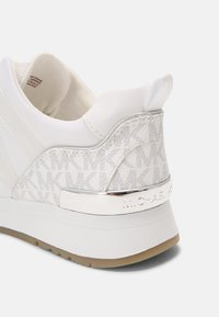 MICHAEL Michael Kors - PIPPIN TRAINER - Sneakers laag - bright white - 7