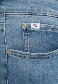 Calvin Klein Jeans Plus - HIGH RISE SKINNY ANKLE - Skinny džíny - denim light - 4