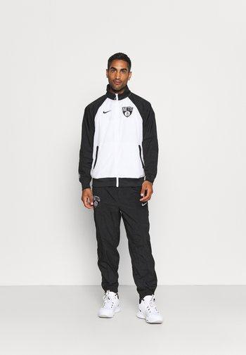NBA BROOKLYN NETS TRACKSUIT - Klubbkläder - white/black