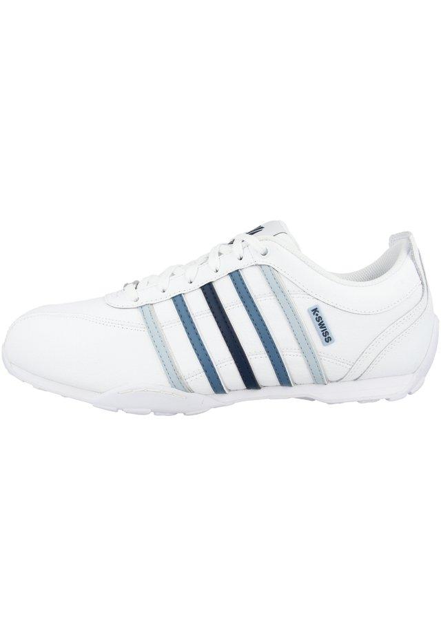 ARVEE  - Sneakers laag - white-blue gradient-ice (02453-936)