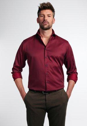 MODERN FIT - Zakelijk overhemd - rot