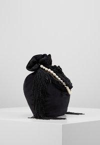 Hermina Athens - MEDUSA BAG - Håndveske - black - 4