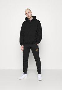 Mennace - FIRE HOODIE - Sweatshirt - black - 1