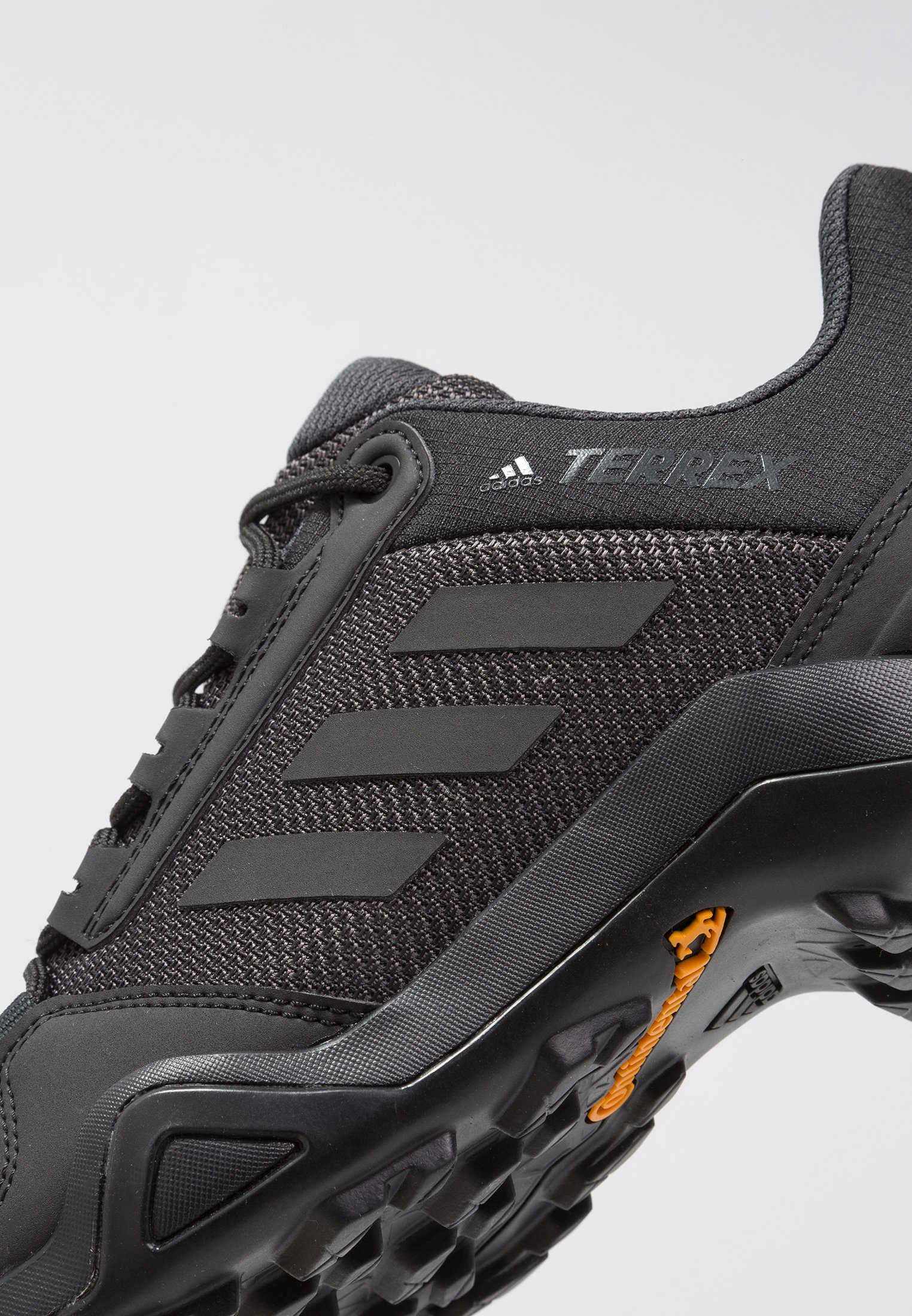 TERREX AX3 - Outdoorschoenen - core black/carbon