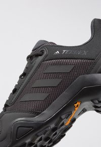 adidas Performance - TERREX AX3 - Hikingschuh - core black/carbon - 5