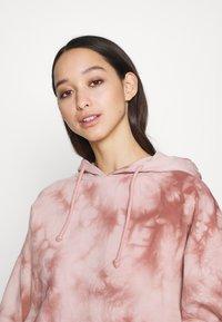 Topshop - TIE DYE HOODY - Sweatshirt - pink - 3