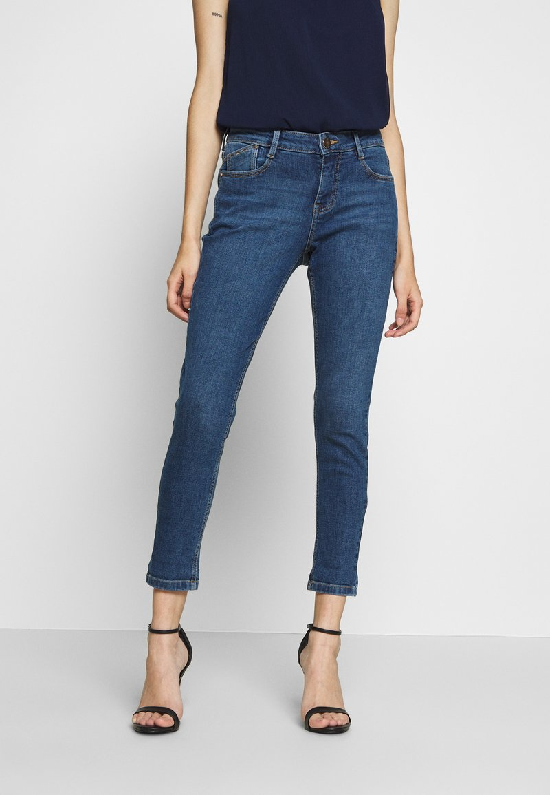 Dorothy Perkins Petite - PETITES MIDWASH ABRASION HARPER  - Slim fit jeans - mid wash denim