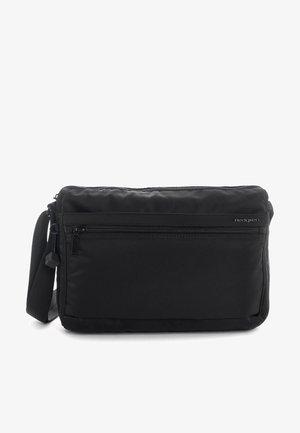 INNER CITY EYE M UMHÄNGETASCHE RFID 29 CM - Across body bag - black