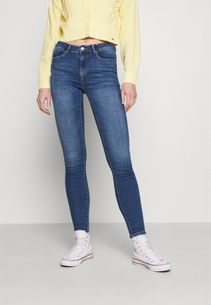 ONLPAOLA LIFE - Jeansy Skinny Fit - medium blue denim