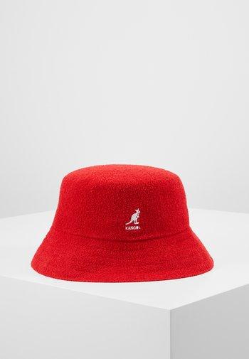 BERMUDA BUCKET - Hat - scarlet