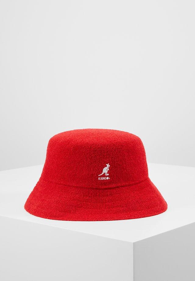 BERMUDA BUCKET - Cappello - scarlet