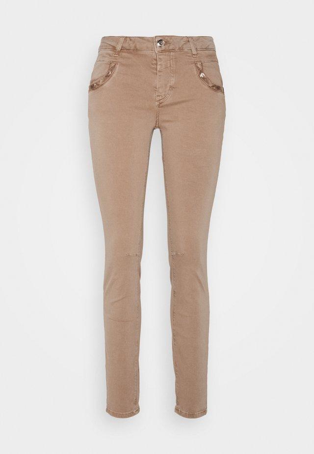 JEWEL PANT - Pantalon classique - burro camel