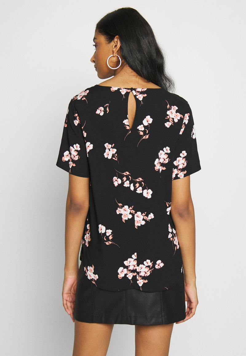b.young - BYISOLE O NECK BLOUSE  - Bluser - black combi