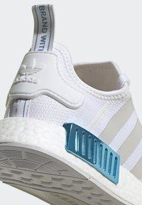 adidas Originals - NMD_R1  - Joggesko - footwear white/grey one/hazy rose - 8