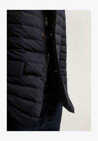 Massimo Dutti - Winter jacket - blue-black denim - 6