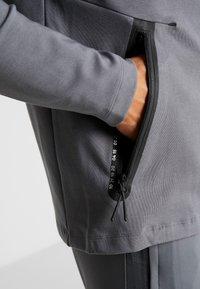 Nike Performance - TOTTENHAM HOTSPURS TECH PACK HOODIE - Klubbkläder - flint grey/blue fury - 6