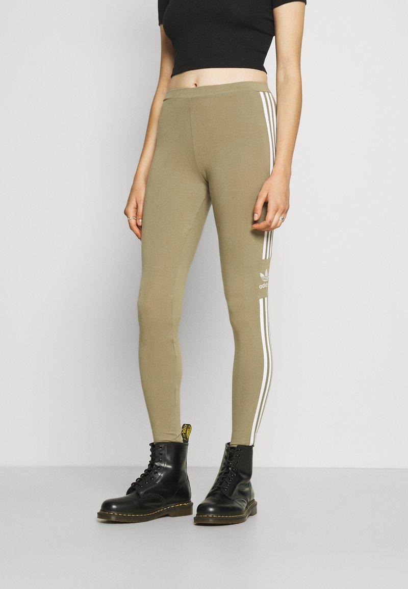 adidas Originals - TREFOIL ORIGINALS ADICOLOR LEGGINGS COMPRESSION - Leggings - Trousers - orbit green
