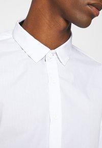 Brave Soul - TUDORD - Kostymskjorta - white - 5