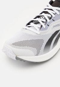 Reebok - FLOATRIDE ENERGY 3.0 - Scarpe running neutre - footwear white/core black - 5