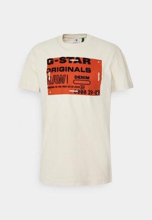FLOCK BADGE GRAPHIC - T-shirt med print - whitebait