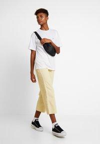 Carhartt WIP - CHASY - Basic T-shirt - white - 1