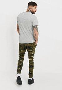 Nike Sportswear - TEE JUST DO IT - Print T-shirt - grey heather - 2