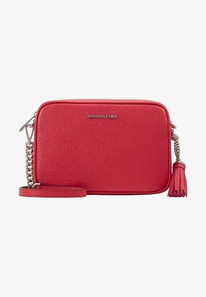 JET SET CAMERA BAG - Across body bag - raspberry