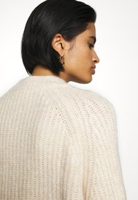 Monki - SONJA - Jumper - white dusty light - 4