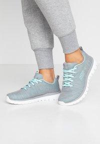 Skechers Wide Fit - WIDE FIT GRACEFUL - Sneakers laag - gray/mint - 0