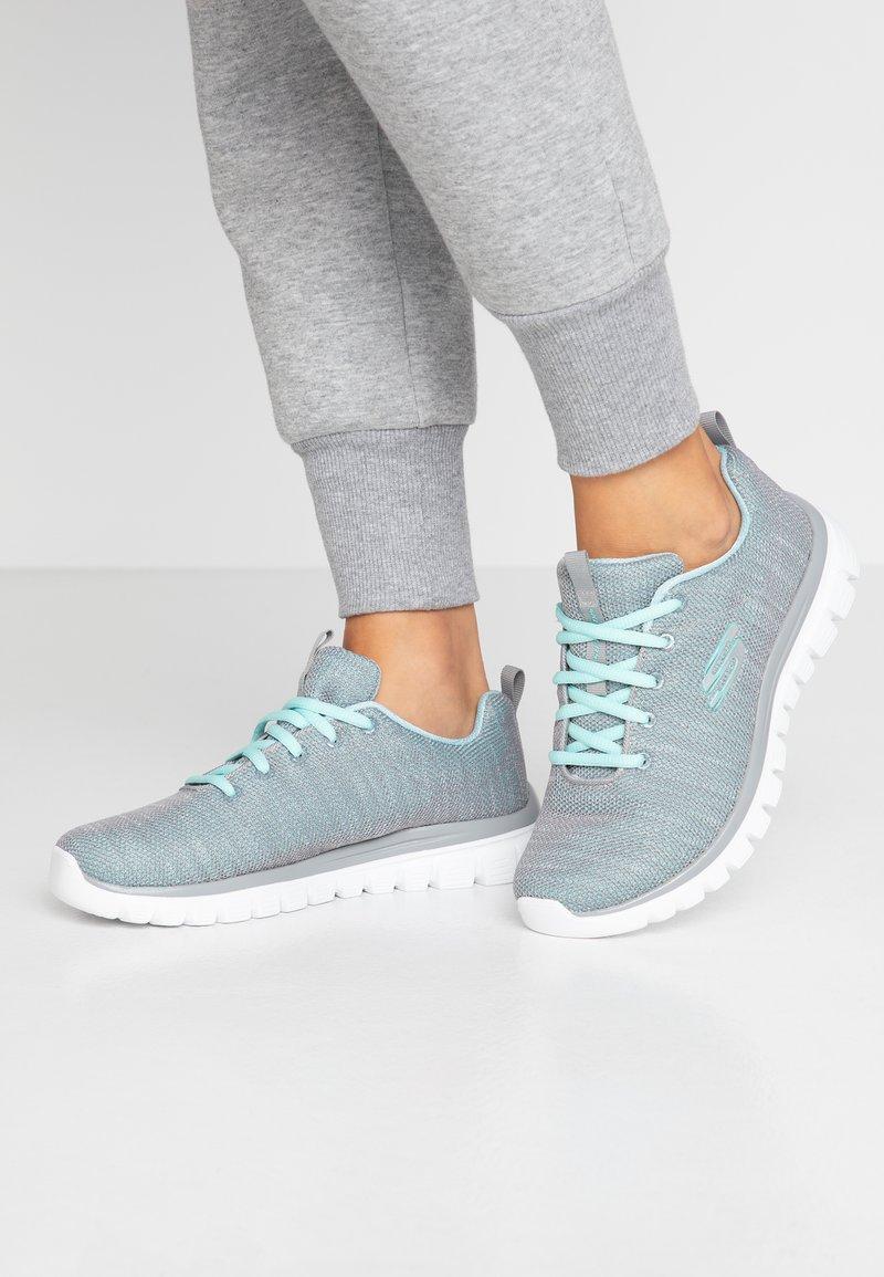 Skechers Wide Fit - WIDE FIT GRACEFUL - Sneakers laag - gray/mint