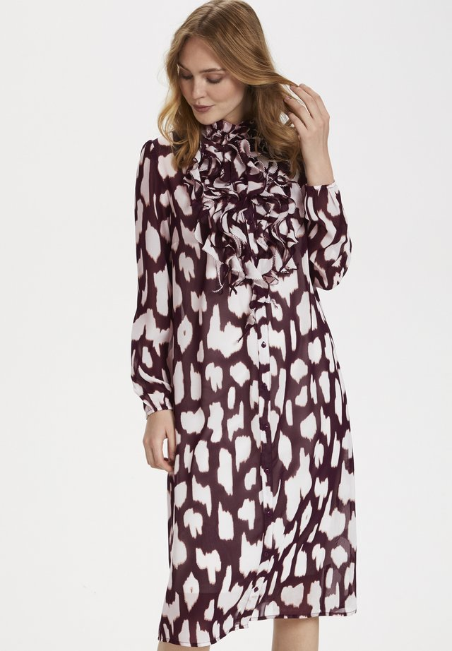 LILLYSZ - Blousejurk - wine animal skin