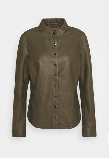 BUTTONS - Button-down blouse - green