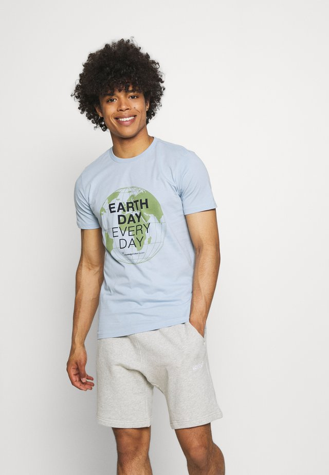 ALDER EARTH DAY EVERY DAY GLOBE TEE  - T-shirt con stampa - blue fog