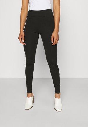 VMBAMA SHAPE PANT - Trousers - black