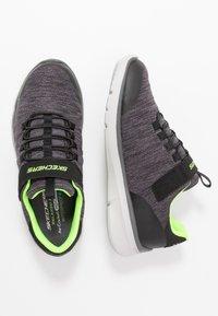 Skechers - EQUALIZER 3.0 - Tenisky - black/charcoal/lime - 0