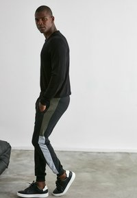 Trendyol - Pantalons outdoor - black - 3
