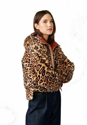 REVERSIBLE  - Light jacket - orangebraun