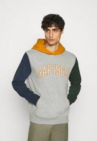 GAP - GAP1969 - Hoodie - grey heather - 0