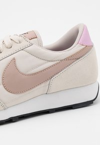 Nike Sportswear - DAYBREAK - Trainers - light orewood brown/metallic red bronze/black/light arctic pink/summit white - 6